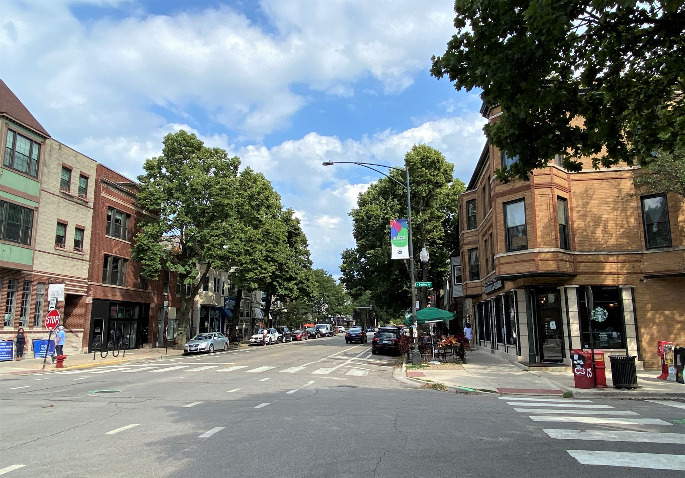 view of Roscoe Village business streetscape